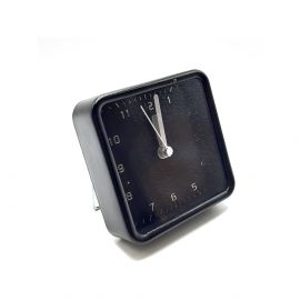 ساعة طاولة مربعة من ARMN Chelsea - أسود