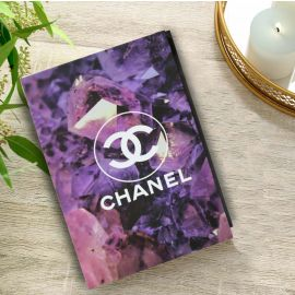 كتاب للديكور من ARMN بتصميم Chanel